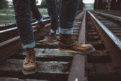 ジーンズとブーツと線路